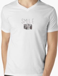 """""""Smile"""" Vintage Camera Mens V-Neck T-Shirt"""