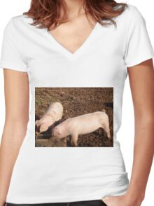 Piglets Women's Fitted V-Neck T-Shirt