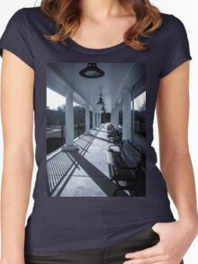 Train Terminal Women's Fitted Scoop T-Shirt