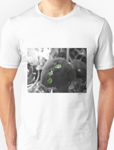 Sweet pea leaf with water Unisex T-Shirt