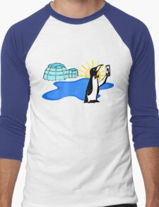 Cool Penguin Selfie in Alaska Men's Baseball ¾ T-Shirt