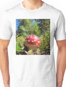 Amanita Muscaria , Mushroom Unisex T-Shirt