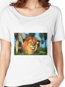 Lion Women's Relaxed Fit T-Shirt