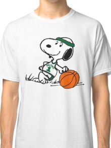 Snoopy basketball Classic T-Shirt