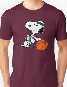 Snoopy basketball Unisex T-Shirt