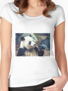 Panda Dining Women's Fitted Scoop T-Shirt