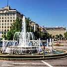 Fountain in Paseo de la Castellana by Tom Gomez