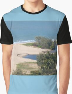 Heading up to Port Douglas N. Qld . Graphic T-Shirt