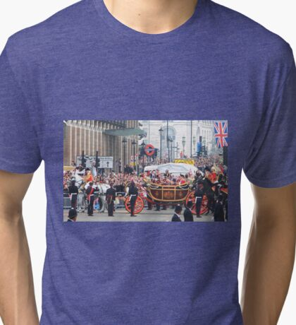 Prince William & Kate on their wedding day as they leave Westminster Abbey after the ceremony Tri-blend T-Shirt