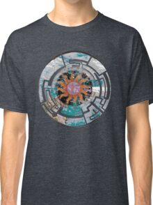 Sun Dial Compass Classic T-Shirt