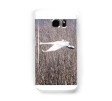 Trumpeter Swan Flies Past Brush Samsung Galaxy Case/Skin