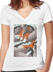Smirre Fox Women's Fitted V-Neck T-Shirt