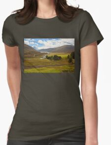 Dalnaspidal (Dalnaspidal, Loch Garry, The Cairngorms National Park, Scotland, UK) Womens Fitted T-Shirt
