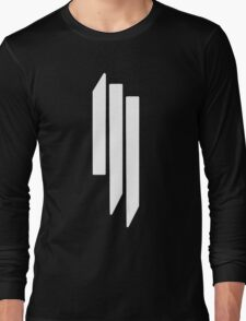 Skrillex - ill - White on Black Long Sleeve T-Shirt
