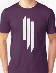 Skrillex - ill - White on Black Unisex T-Shirt