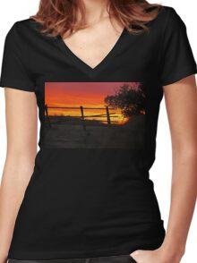 Bear Butte Sunset Women's Fitted V-Neck T-Shirt