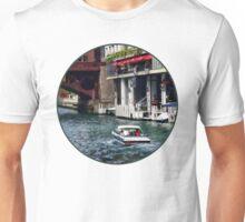 Chicago IL - Motorboat Near Dearborn Street Bridge Unisex T-Shirt