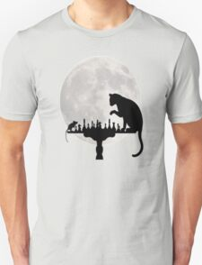 Cat and Rat Playing Chess  Unisex T-Shirt