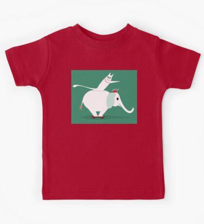 WHITE ELEPHANT & CAT ON GREEN Kids Tee