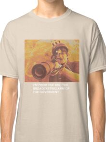 """Louis Theroux """"IM FROM THE BBC"""" Classic T-Shirt"""