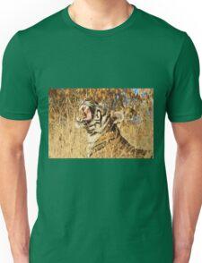 Yawn: Sub-Adult Male Bengal Tiger Unisex T-Shirt