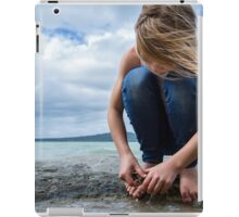raising giants iPad Case/Skin