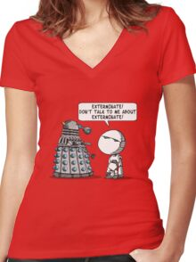 Marvin meets Who? Women's Fitted V-Neck T-Shirt