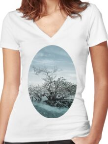 Meet By The Water Women's Fitted V-Neck T-Shirt