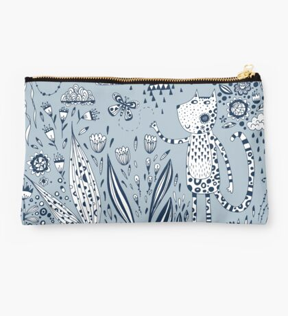 Many Happy Hours in the Garden Studio Pouch