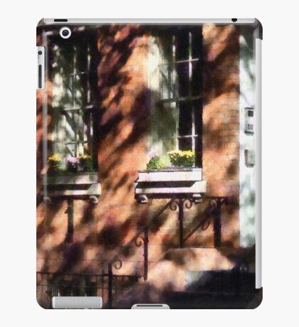 Manhattan NY - Window Boxes Greenwich Village iPad Case/Skin