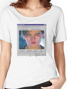 dicaprio crying  Women's Relaxed Fit T-Shirt