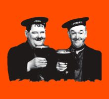 LAUREL & HARDY beer Kids Tee