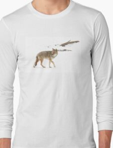 On the hunt - Coyote Long Sleeve T-Shirt