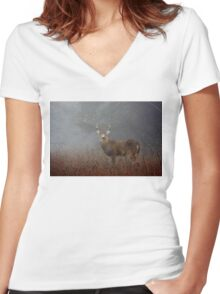 Big Buck - White-tailed deer Women's Fitted V-Neck T-Shirt