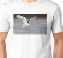 Snowy Owl flyby Unisex T-Shirt