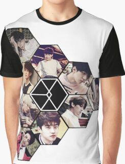 "EXO ""Love Me Right"" Graphic T-Shirt"