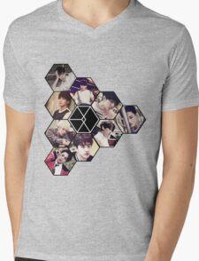 "EXO ""Love Me Right"" Mens V-Neck T-Shirt"