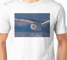 Snowy Owl flys at Sunset Unisex T-Shirt