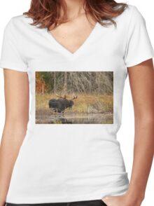 Smiling Moose, Algonquin park Women's Fitted V-Neck T-Shirt