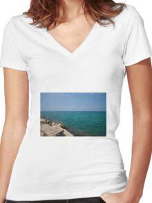 Lake Women's Fitted V-Neck T-Shirt