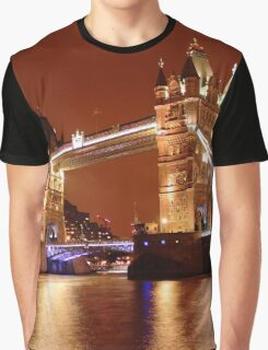 Tower Bridge on the River Thames, London, at night Graphic T-Shirt