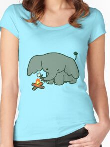 Campfire Elephant Women's Fitted Scoop T-Shirt