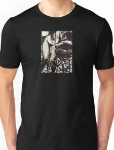 Raw Goth nude, b&w girl Unisex T-Shirt