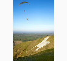 Paragliders at the Westbury White Horse, Wiltshire, UK Unisex T-Shirt