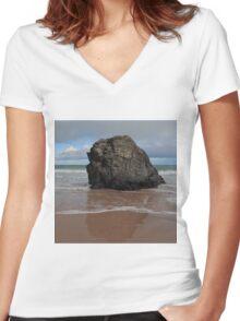 Black Rock On Sango Bay Women's Fitted V-Neck T-Shirt