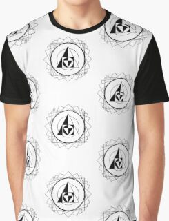 Triangle Seal Design Graphic T-Shirt