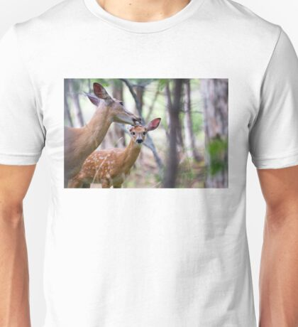 Aw Mom!…my fur's fine - White-tailed deer T-Shirt