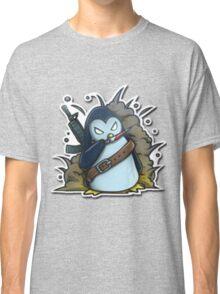 War penguin Classic T-Shirt