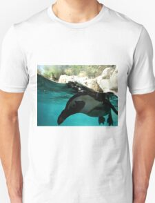 I SEE YOU PENGUIN! T-Shirt