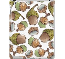 Seamless Pattern with Watercolor Acorns iPad Case/Skin
